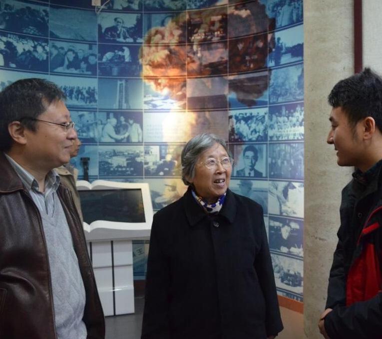 """钱易院士参观中国科学院与""""两弹一星""""纪念馆"""